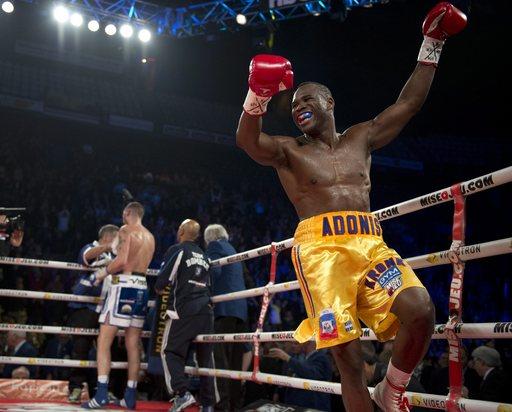Galerry Paulie Malignaggi celebrates his unanimous decision win against Zab