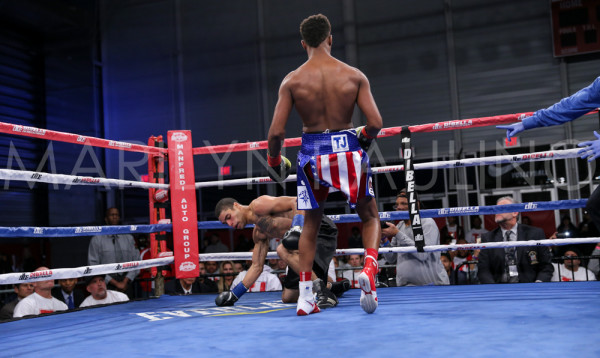 Tyrone James vs. David Perez - Marilyn Paulino RBRBoxing (1)