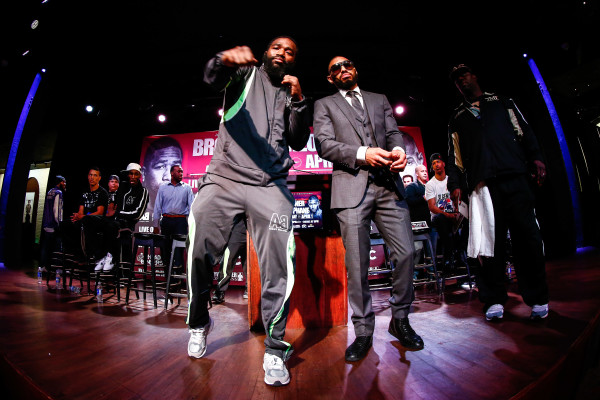 Broner vs Theophane_Presser_TrappFotos _ Mayweather Promotions _ Premier Boxing Champions