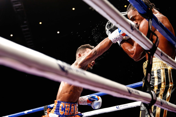 LR_FIGHT NIGHT-CHARLO VS JACKSON-TRAPPFOTOS-05212016-1499