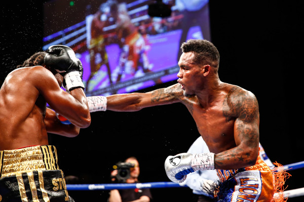 LR_FIGHT NIGHT-CHARLO VS JACKSON-TRAPPFOTOS-05212016-1508