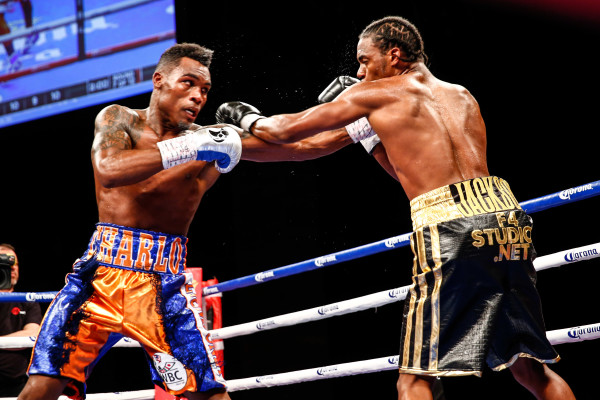LR_FIGHT NIGHT-CHARLO VS JACKSON-TRAPPFOTOS-05212016-1528