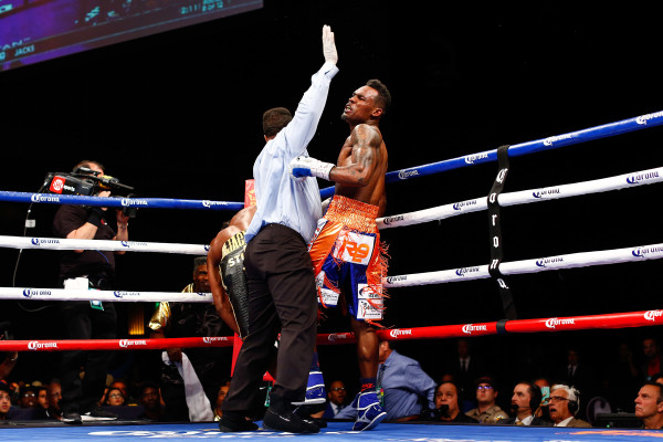 LR_FIGHT NIGHT-CHARLO VS JACKSON-TRAPPFOTOS-05212016-1627