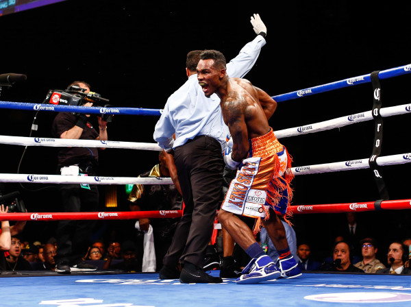LR_FIGHT NIGHT-CHARLO VS JACKSON-TRAPPFOTOS-05212016-1629