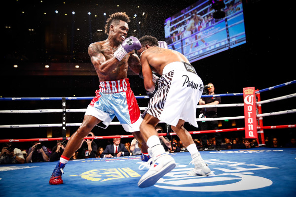 LR_FIGHT NIGHT-CHARLO VS TROUT-TRAPPFOTOS-05212016-2172