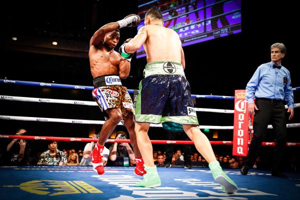 LR_FIGHT NIGHT-LARA VS MARTIROSYAN-TRAPPFOTOS-05212016-2187