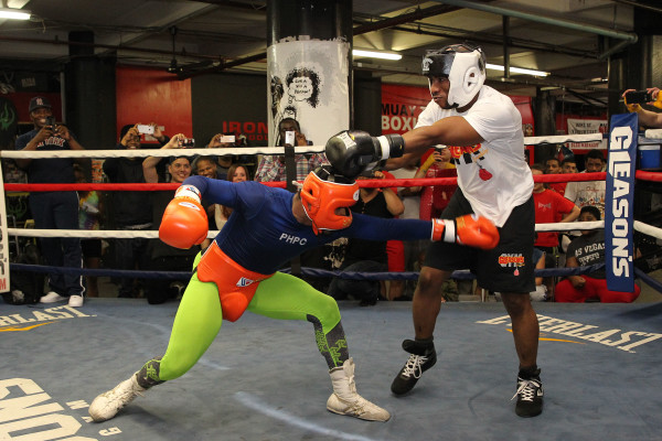Porter Celebrity Sparring Session_Training camp_Ed Diller _ Premier Boxing Champions5