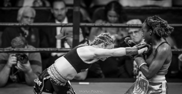 Heather Hardy vs . Kirstie Simmons - MVP RBRBoxing (1)