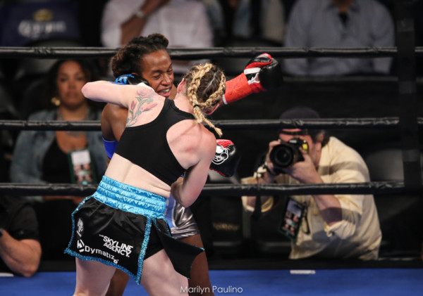 Heather Hardy vs . Kirstie Simmons - MVP RBRBoxing (10)