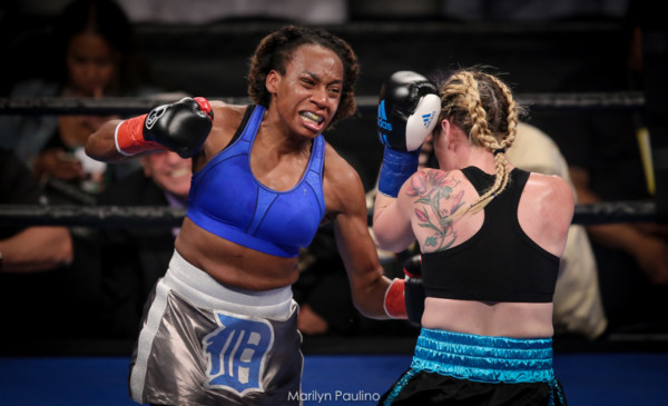 Heather Hardy vs . Kirstie Simmons - MVP RBRBoxing (14)