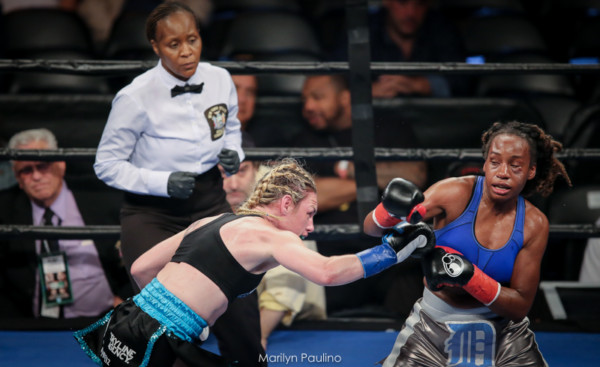 Heather Hardy vs . Kirstie Simmons - MVP RBRBoxing (3)