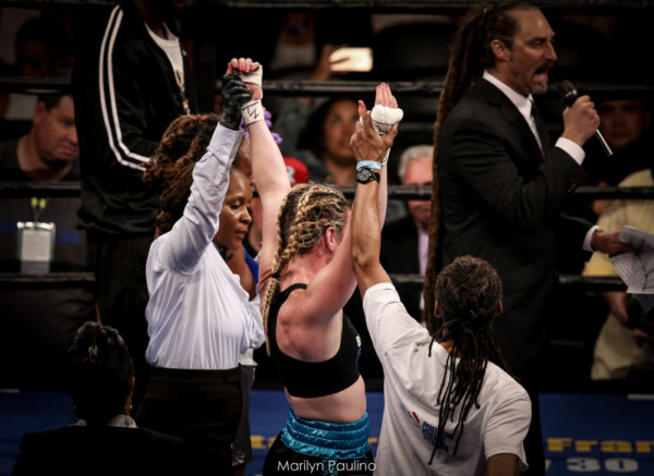 Heather Hardy vs . Kirstie Simmons - MVP RBRBoxing (4)