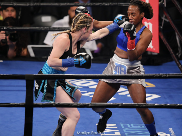 Heather Hardy vs . Kirstie Simmons - MVP RBRBoxing (6)