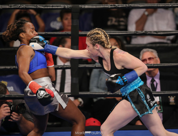Heather Hardy vs . Kirstie Simmons - MVP RBRBoxing (7)