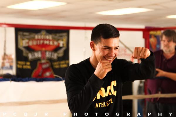 Mike Alvarado Media Day - Jr. Barron RBRBoxing (19)