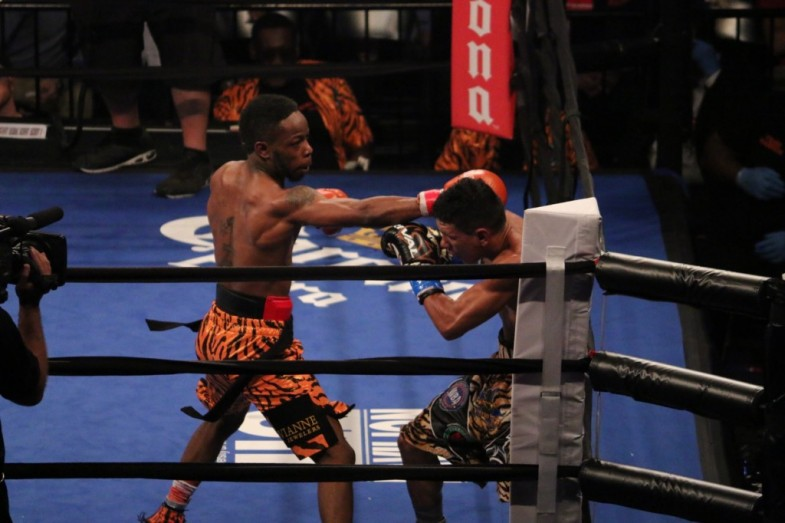 RauShee Warren vs Juan Carlos Payano - Amber Williams RBRBoxing (2)