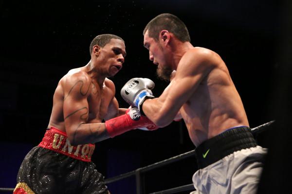 Yeleussinov vs Lee_Fight_Dave Nadkarni _ Premier Boxing Champions (1)