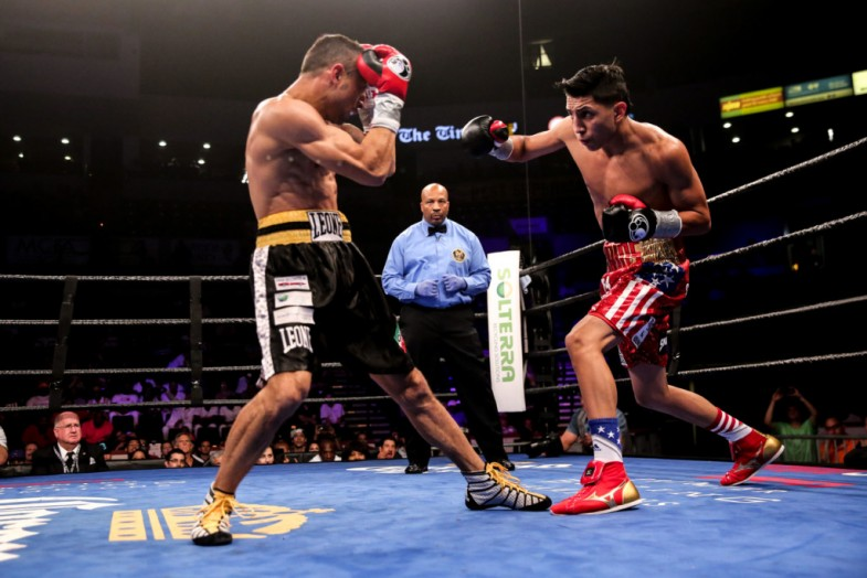 Barrios vs Boschiero_Fight_Dave Nadkarni _ Premier Boxing Champions2