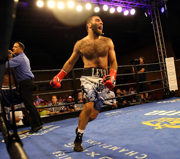 Ghvamichava vs Prescott_Fight_Andy Samuelson _ Premier Boxing Champions1