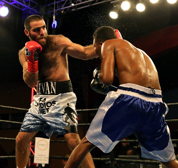 Ghvamichava vs Prescott_Fight_Andy Samuelson _ Premier Boxing Champions10