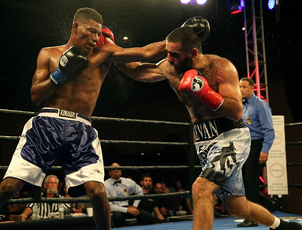 Ghvamichava vs Prescott_Fight_Andy Samuelson _ Premier Boxing Champions11