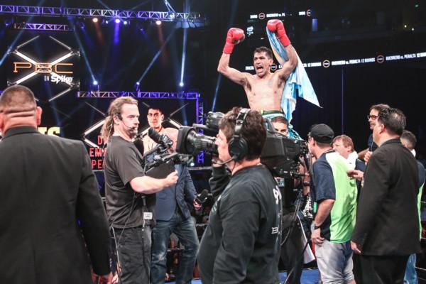 Guerrero vs Peralta_08_27_2016_Fight_Andy Samuelson _ Premier Boxing Champions4