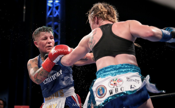 Heather Hardy vs. Shelly Vincent - MVP RBRBoxing (20)