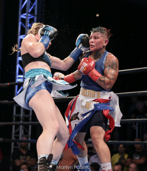 Heather Hardy vs. Shelly Vincent - MVP RBRBoxing (7)