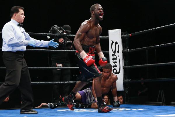 Martin vs Grayton_08_23_2016_Fight_Ryan Greene _ Premier Boxing Champions (1)
