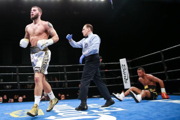 Plant vs De Angel_08_23_2016_Fight_Ryan Greene _ Premier Boxing Champions (1)