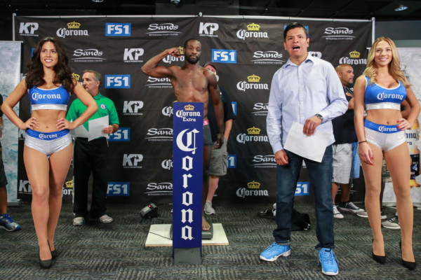 Weigh-Ins_08_23_2016_Weigh-in_Ryan Greene _ Premier Boxing Champions10