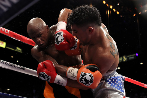 floyd-mayweather-vs-victor-ortiz-al-bello-getty-images-3