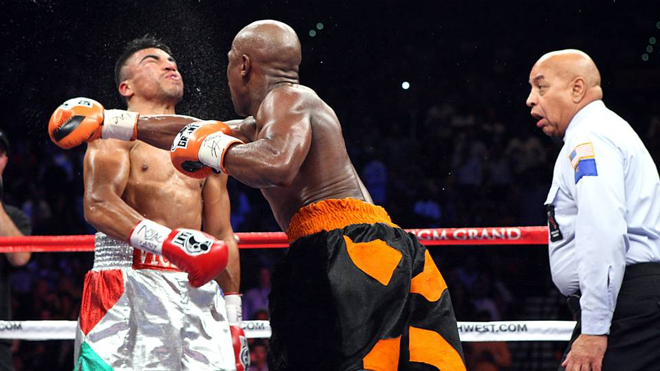 floyd-mayweather-vs-victor-ortiz-getty-images