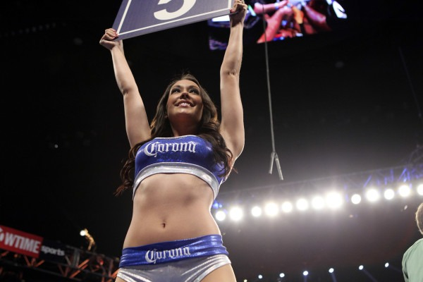 Ring Girl Corissa Furr