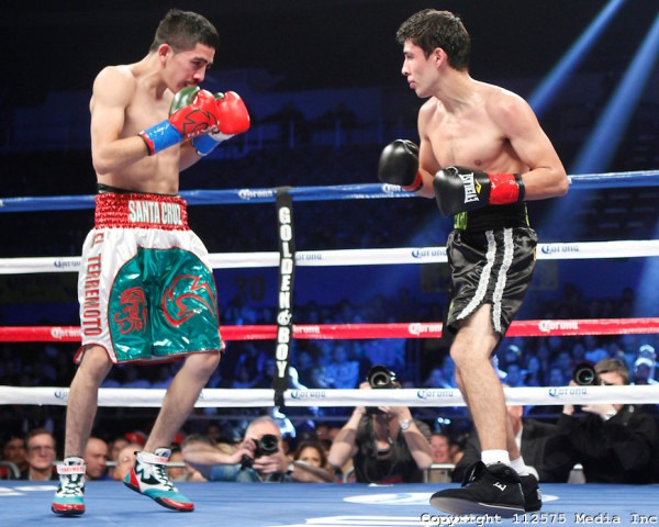 2012 Round By Round Boxing: Leo Santa Cruz vs Alberto Guevara - December 15, 2012