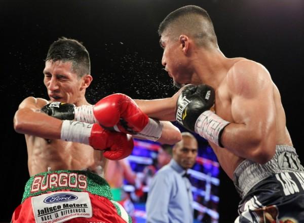 Garcia-Burgos-FightNight-Chris Farina4