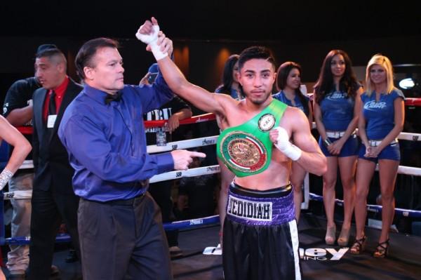 Standing 8 Fight Night - 4-26-14 - Jr. Barron (40)