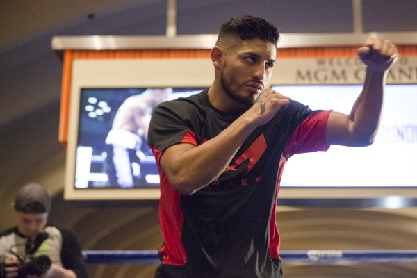 007_Abner_Mares