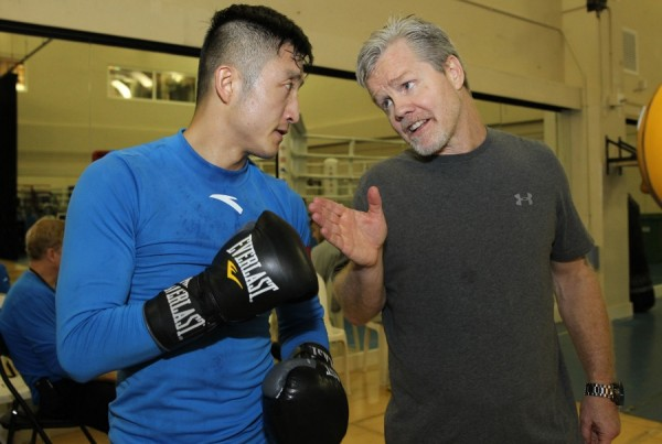 Shiming vs. Ruenroeng - Macao Workouts - Chris Farina