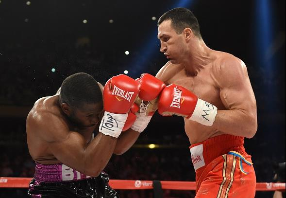 Klitschko Jennings  :TIMOTHY A. CLARY AFP/Getty