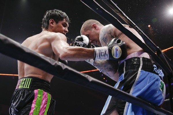013_Omar_Figueroa_vs_Ricky_Burns