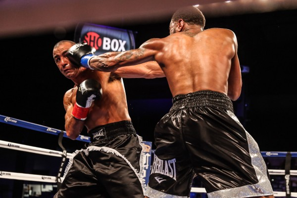 WADE VS SOLIMAN-TRAPPFOTOS-06262015-3352