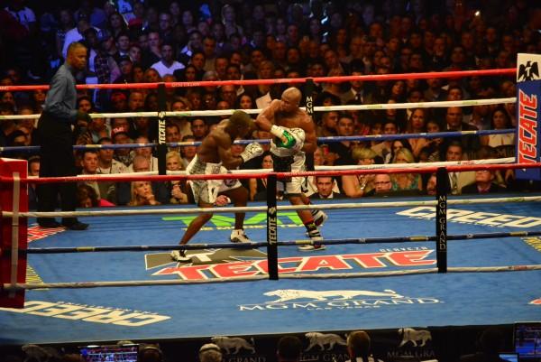Mayweather vs. Berto Fight Night - ismael gallardo RBRBoxing (1)