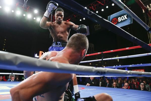 Antoine Douglas Scores 5 Knockdowns and a Round 4 TKO