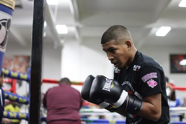 Alexis Santiago Training Camp Update_Esaiah Gomez _ Mayweather Promotions _ Premier Boxing Champions