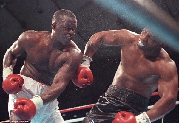 Mike Tyson Buster Douglas - Action images Reuters
