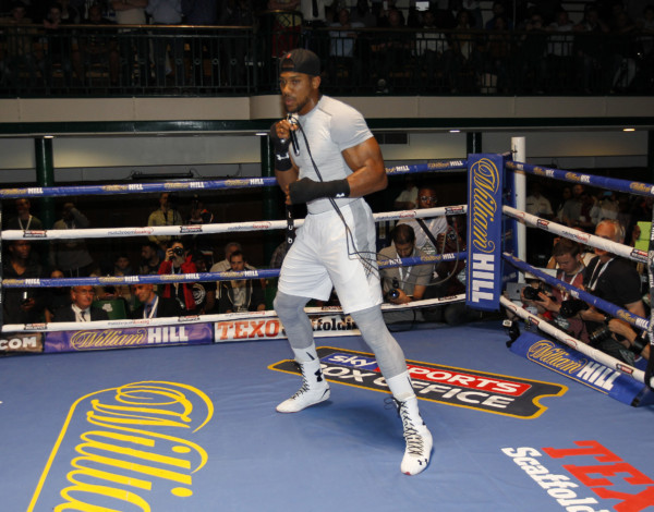 OPEN TRAINING AND MEDIA SESSION YORK HALL,BETHNALL GREEN,LONDON PIC;LAWRENCE LUSTIG ANTHONY JOSHUA TRAINING