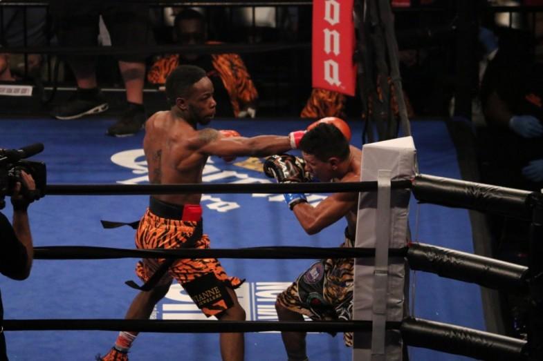 RauShee Warren vs Juan Carlos Payano - Amber Williams RBRBoxing (2)