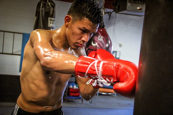 Miguel Flores - Training Camp_08_12_2016_Training camp_Hosanna Rull _ Team Flores  _ Premier Boxing Champions1