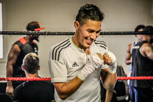 Miguel Flores - Training Camp_08_12_2016_Training camp_Hosanna Rull _ Team Flores  _ Premier Boxing Champions4